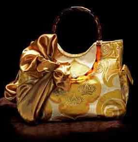 Quute Illumina Handbags 1