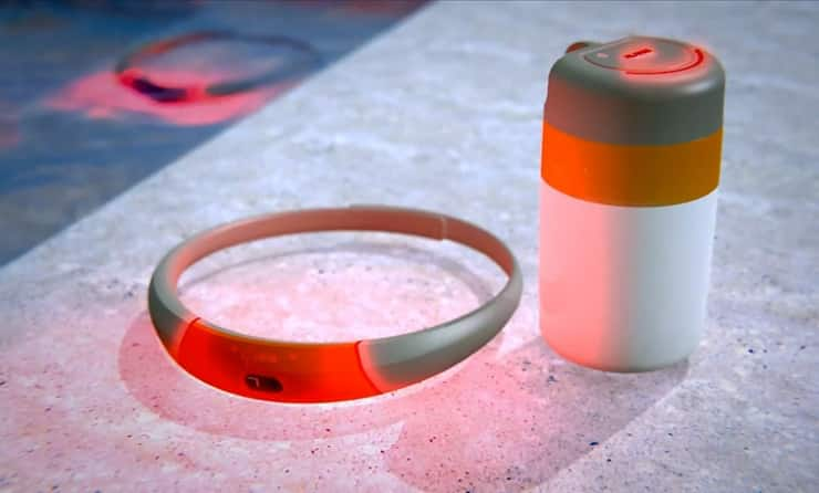 SEAL Wearable Swim Monitor Keeps You From Drowning 3