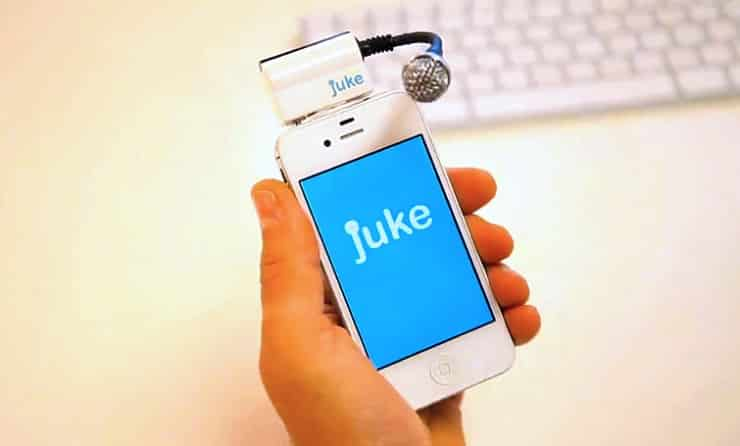 This Device is a Karaoke Machine You Carry in Your Pocket 1