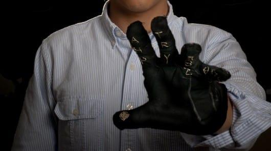 Gauntlet Keyboard Glove Makes Typing a Breeze 10
