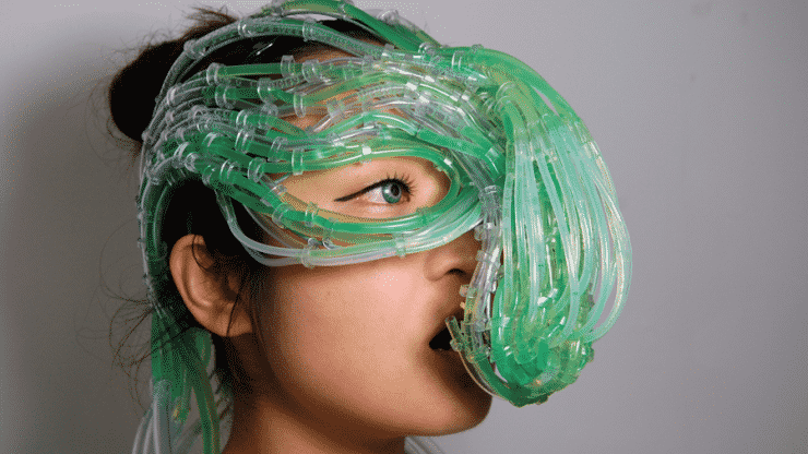 Algae Suit Creates Food, Also Wraps Entirely Around You to Feed 9