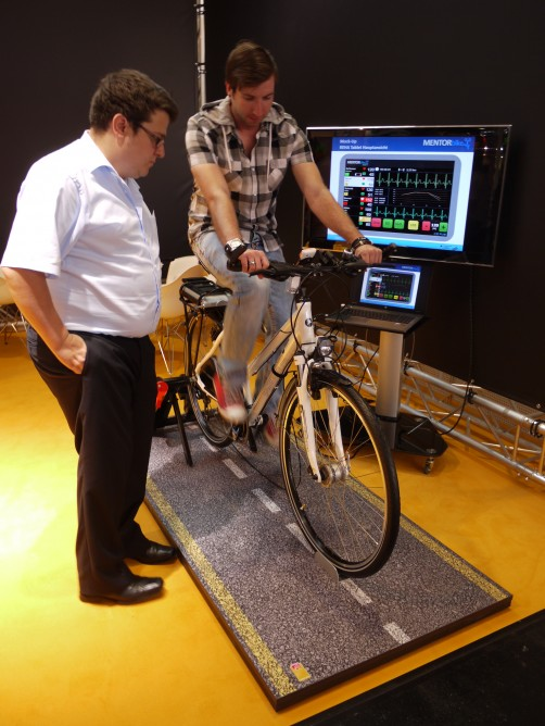 Fitness shirt powers bicycle based on breathing and heart rate 2
