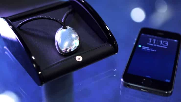 Necklace Projectors Could Be the Next Big Wearable Technology Thing 5