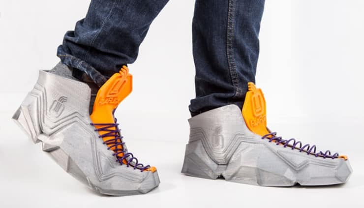 These 3D-Printed Sneakers Fold Up and Fit in Your Pocket 2
