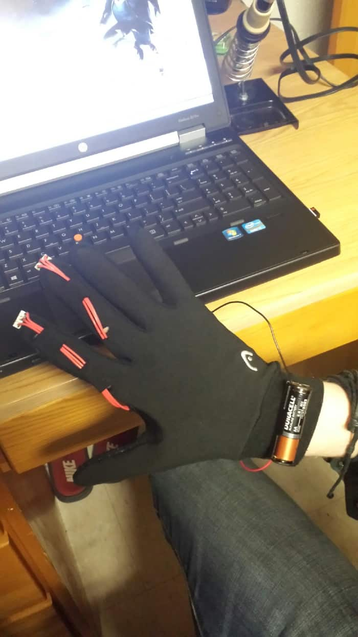 The Mouse Glove is a, well, Glove That Doubles as a Mouse 4
