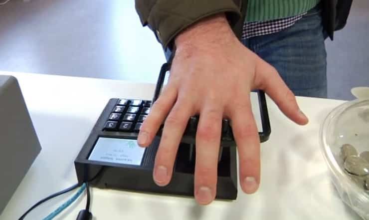 Now You Can Pay for Groceries With Your Palm 3