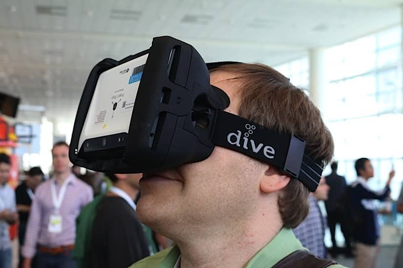 This Head Mounted Display Lets You Swim With the Fishes Safely 8