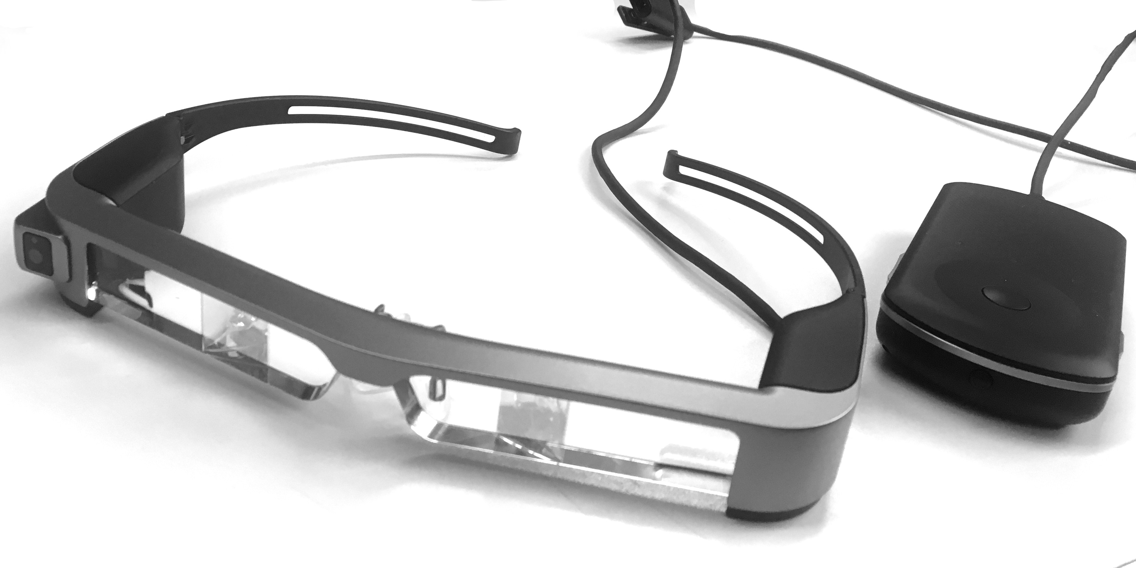 Hands on Head-Mounted Displays · Long Qian