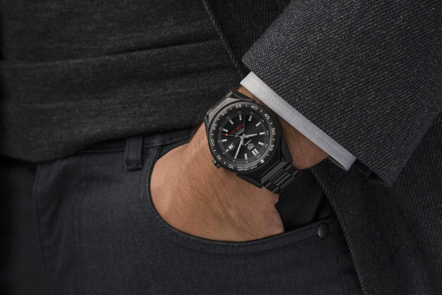 First Look- TAG Heuer Connected Modular 41 Smartwatch ...