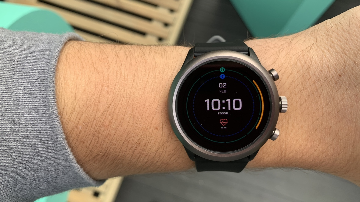 Fossil Sport first look: A sporty smartwatch that doesn't ...