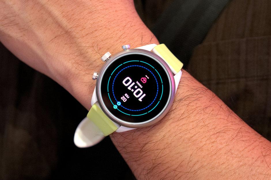 Fossil Sport Smartwatch hands-on: Snapdragon Wear 3100 on ...