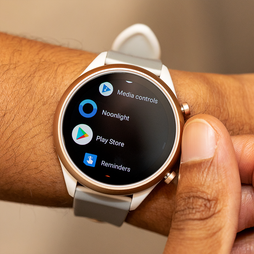 Fossil Sport Smartwatch review: new watch, same old tricks ...