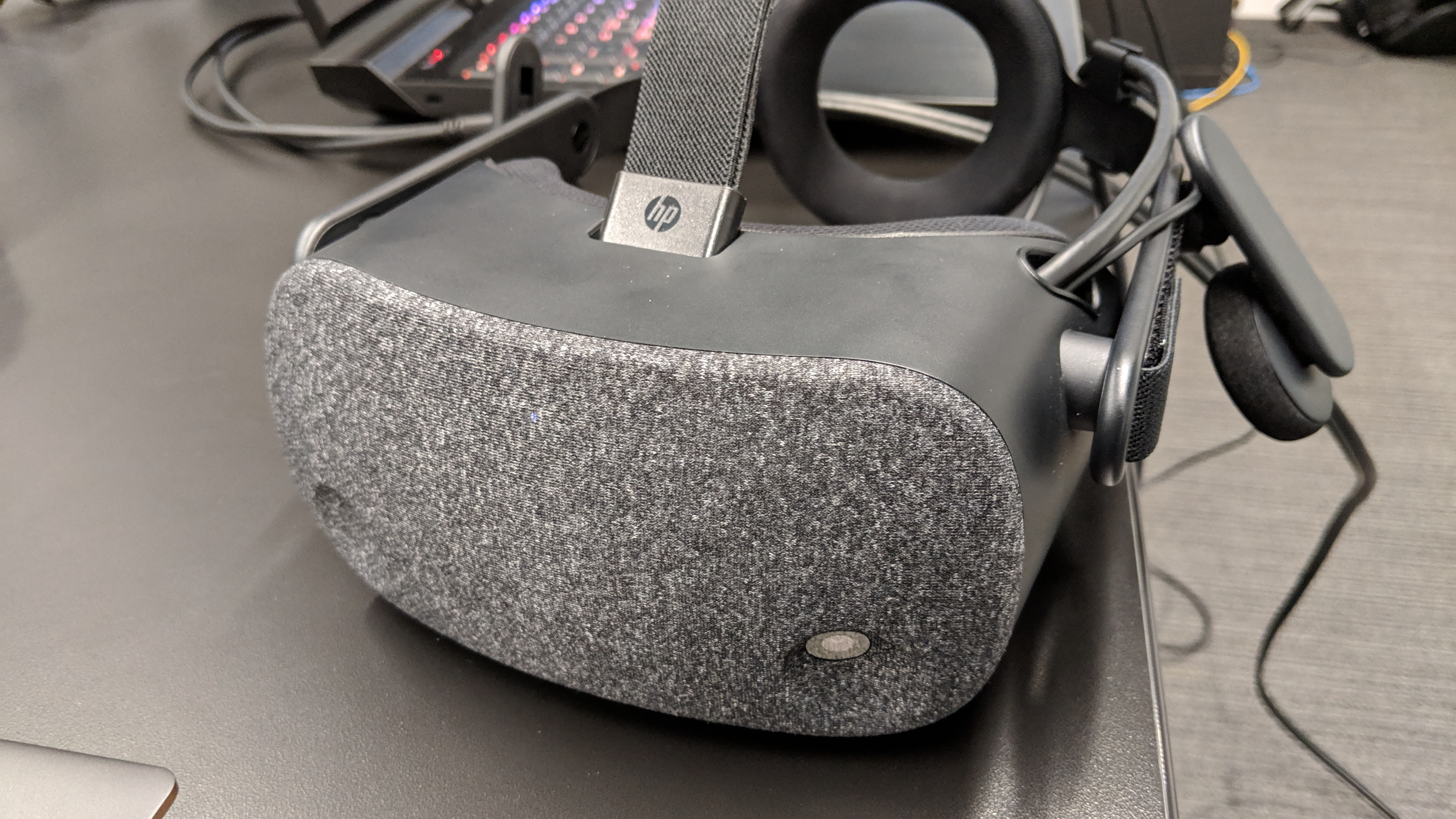 HP's high-res Reverb VR headset blows the screen door ...