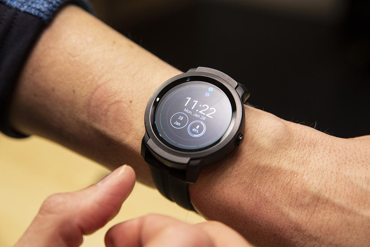 Mobvoi TicWatch E2 review: The standard for Wear OS is ...