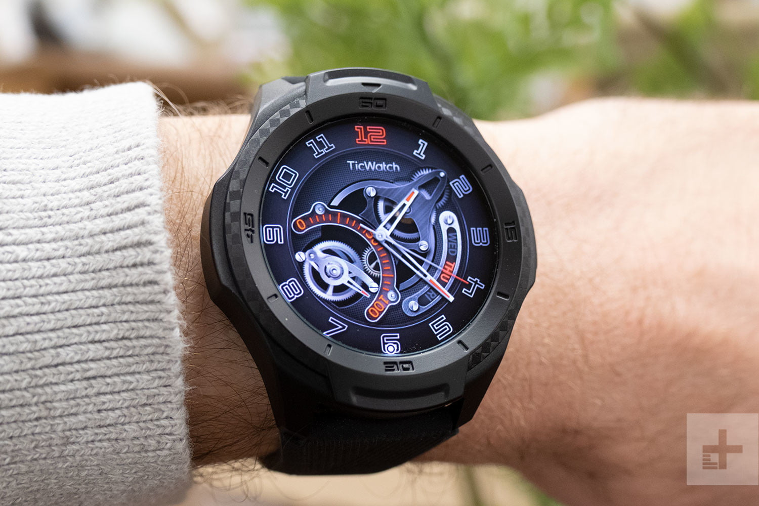Mobvoi TicWatch S2 Review: Looks Aren't Everything ...