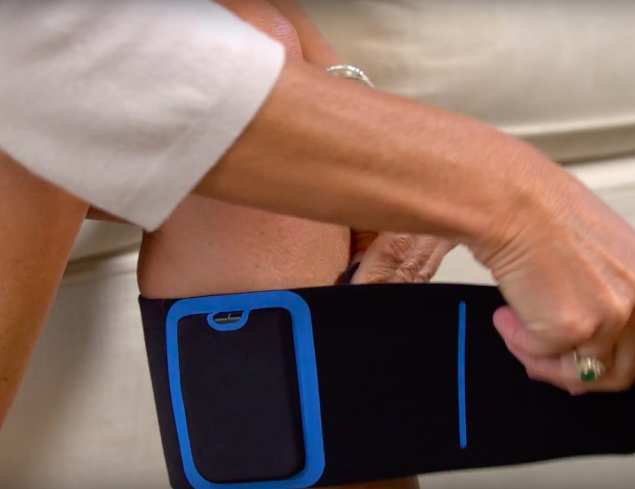 Quell 2.0 is a wearable pain relief kit for getting rid of ...