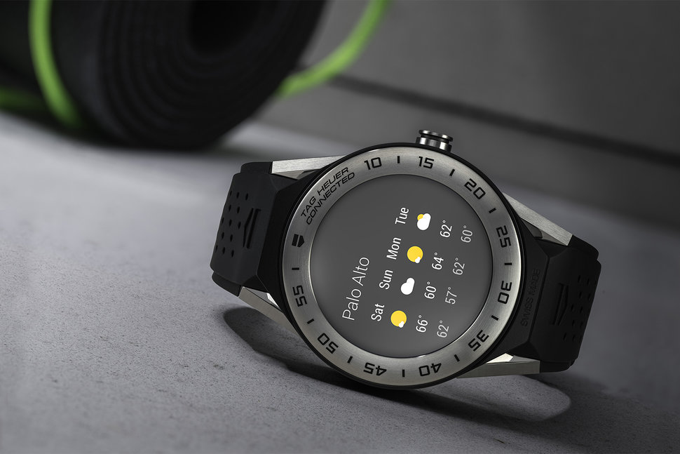 Tag Heuer Connected Modular 41 is designed for smaller wrists,
