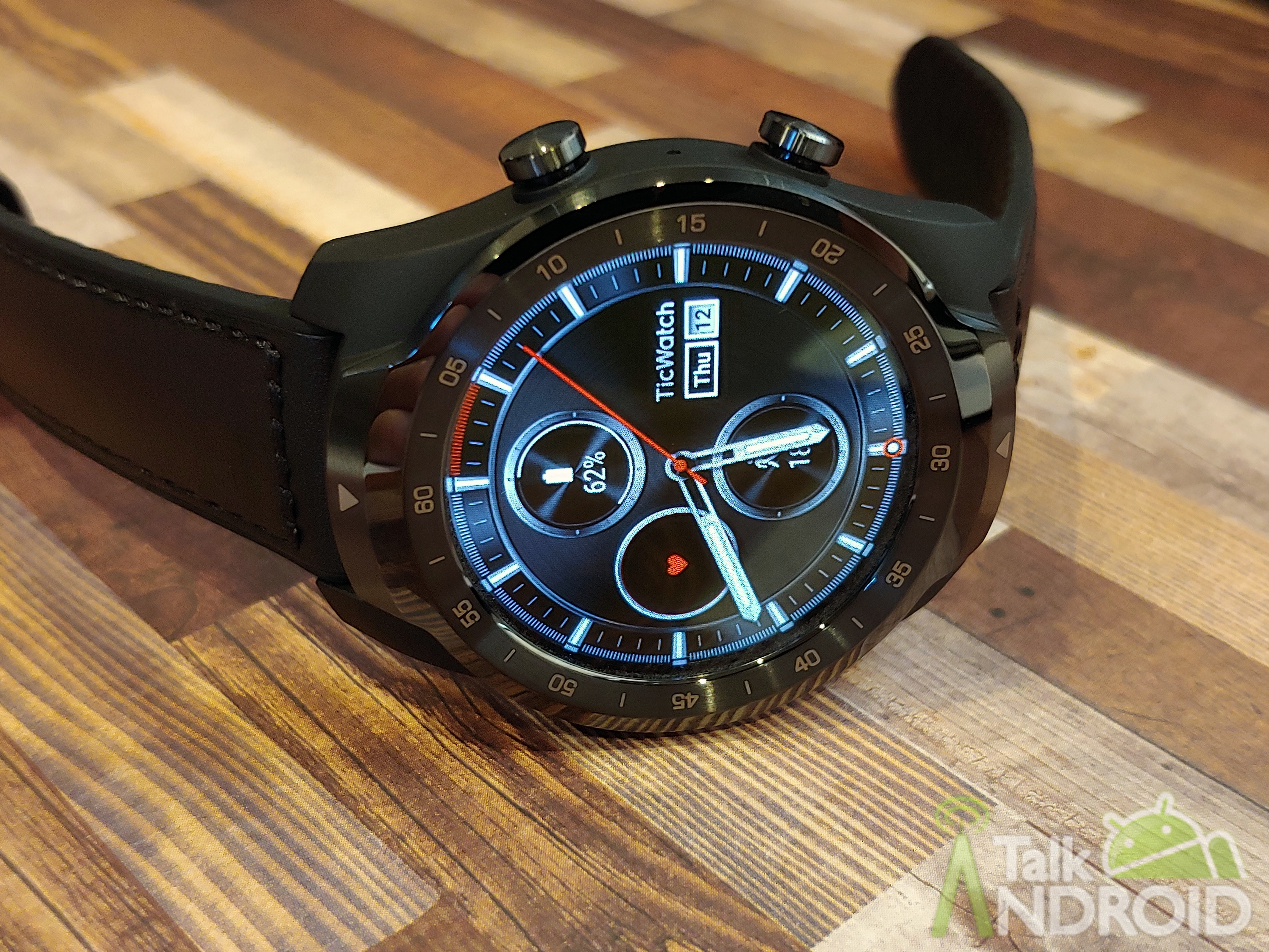 TicWatch Pro review: Layered displays make it a battery ...