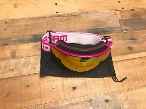 AKASO OTG Ski Goggles, Snowboard Goggles, Mag-Pro Hot Pink ...