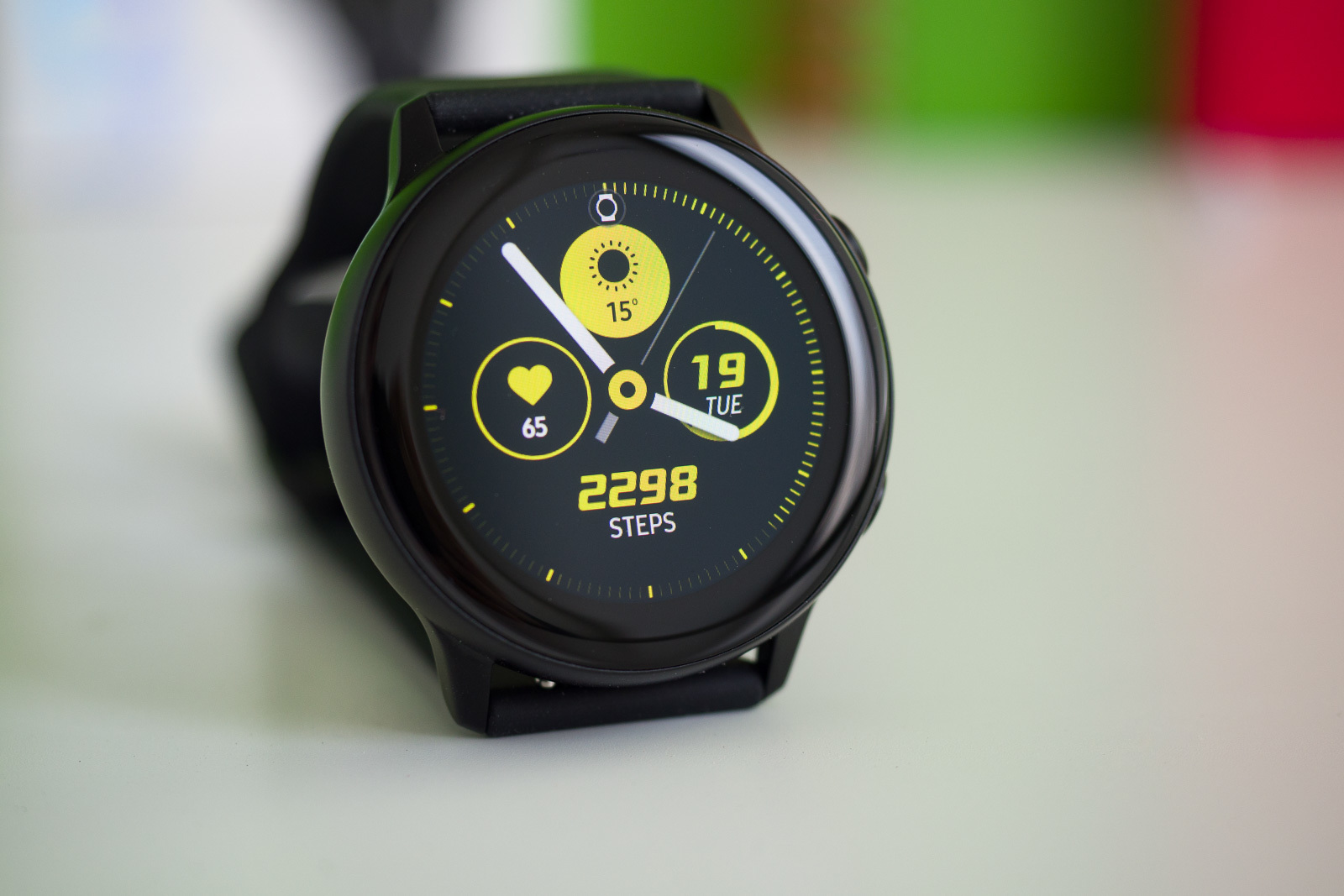 Samsung Galaxy Watch Active 2 render shows leather band ...