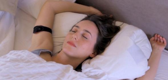Tempdrop Is A Wearable Body Temperature Sensor For ...