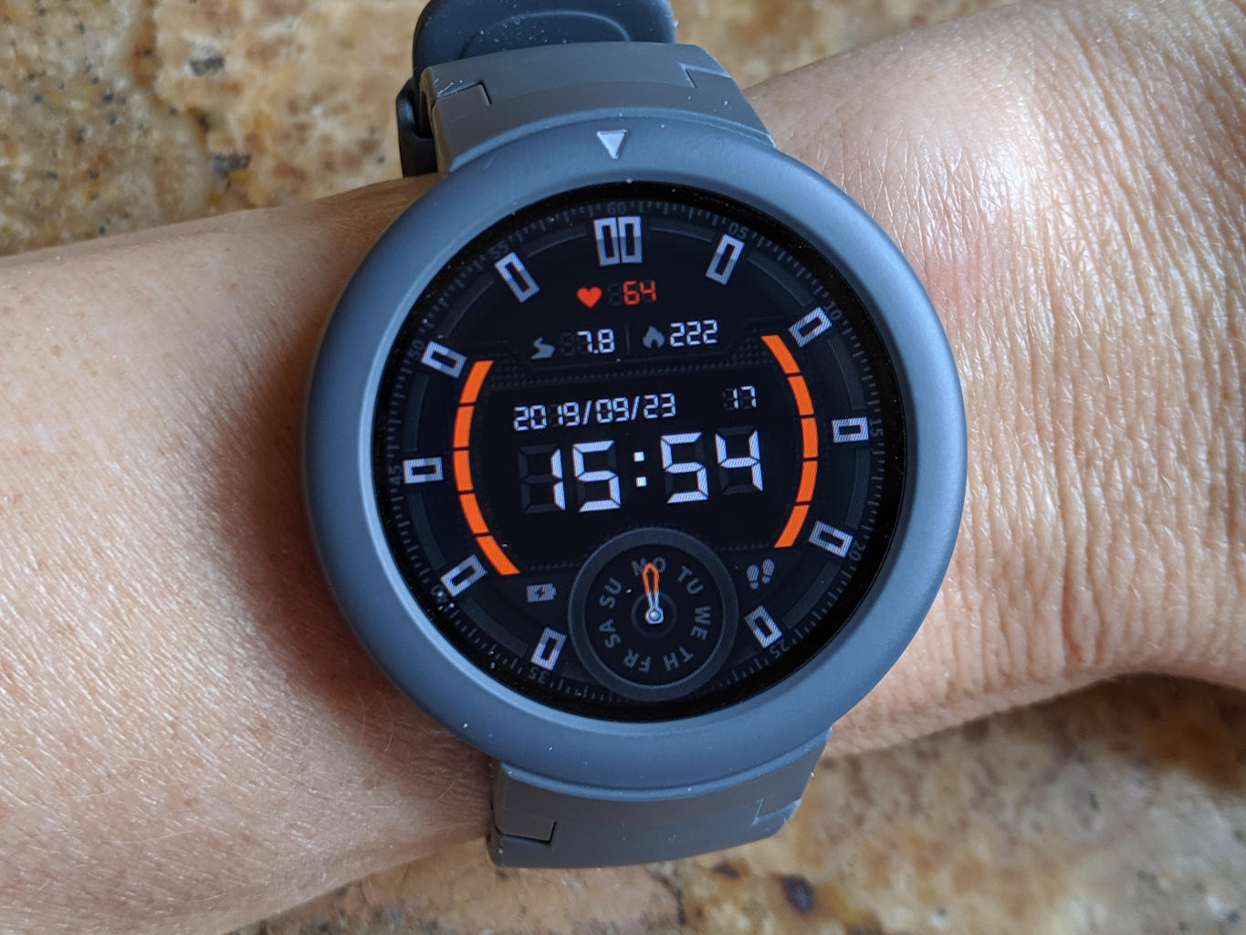 Tried it: Amazfit Verge Lite Smartwatch Reviewed ...