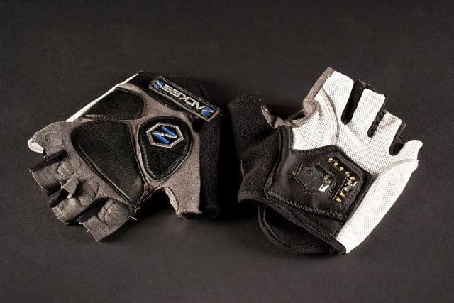 Zackees turn-signal gloves review | Digital Trends