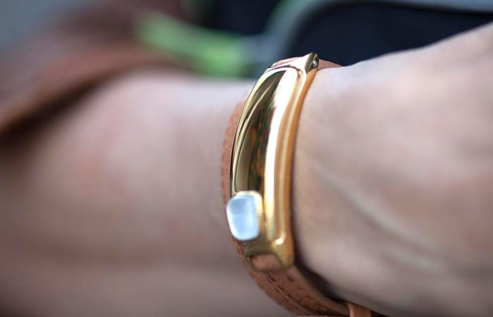 The Best Smart Jewelry - Essential Guide