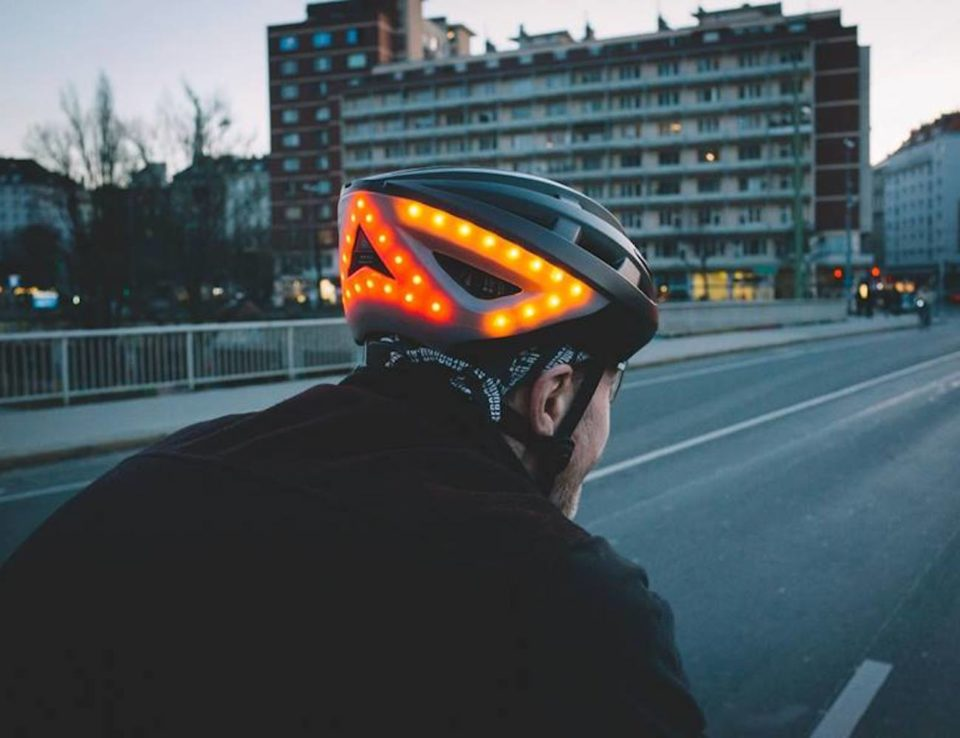 This Smart Bike Helmet Keeps You Visible On the Road ...