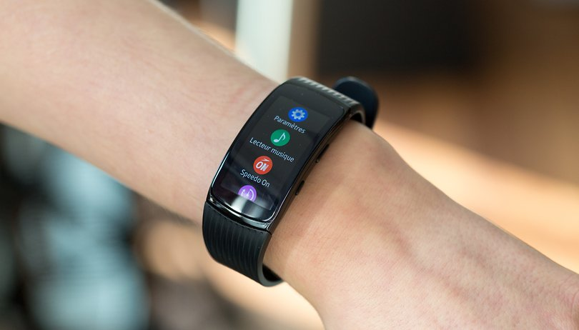 Galaxy Fit-e: $35 fitness tracker shows up on Samsung ...