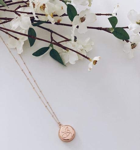 invisawear Smart Jewelry - Personal Safety Device - Rose Gold Beverly Necklace