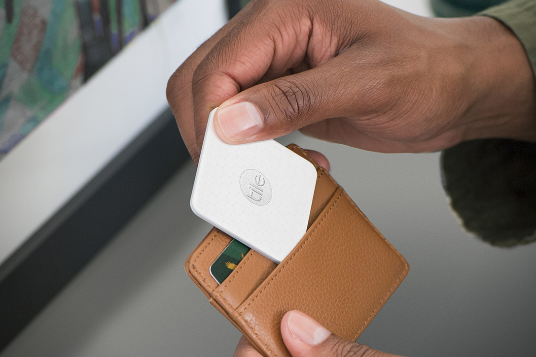 Tile Slim Bluetooth Tracker | HiConsumption