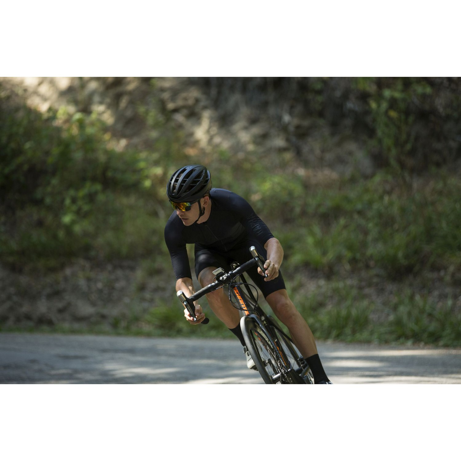 TriEye Sports Glasses with Rear-View - black | red revo ...