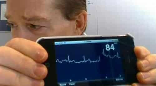 Alivecor Heart Monitor keeps track of your ticker via your iPhone 4