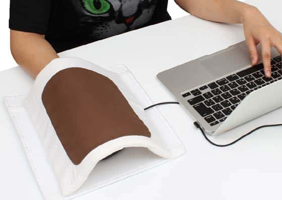 This heated mousepad keeps your mouse moving and your hands warm 7