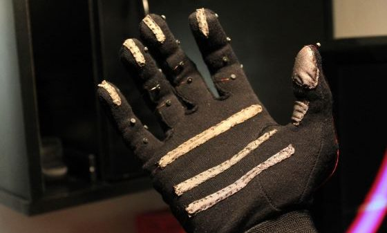Keyglove - OSHW project that enables one-handed computer control 1