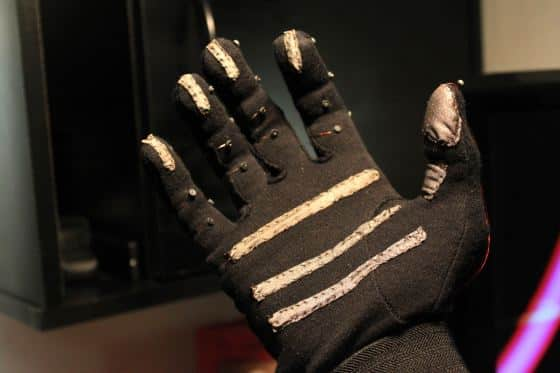 Keyglove - OSHW project that enables one-handed computer control 2